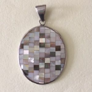 Jewelry - Sterling silver bold pendant mother of pearl
